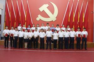 """9月13日,县委组织部组织""""坚定信仰 成就梦想""""主题演讲比赛"""